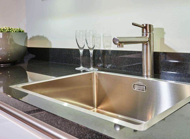 Witte keuken spoelbak beste inspiratie voor huis ontwerp - Center meubilair keuken ...