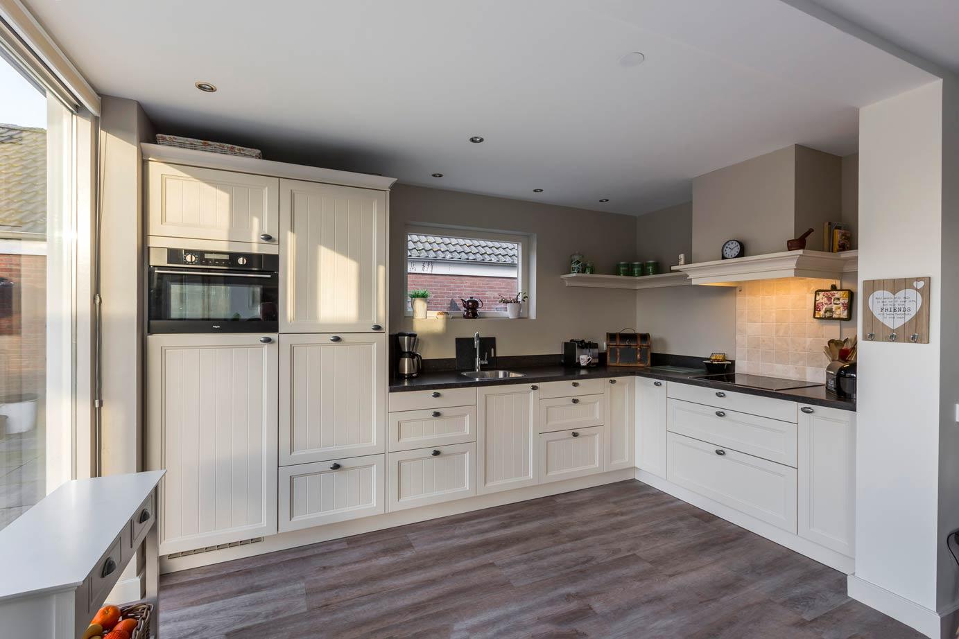 Arma Keukens Nunspeet : Keuken en badkamer kopen utrecht lees klantervaring db keukens