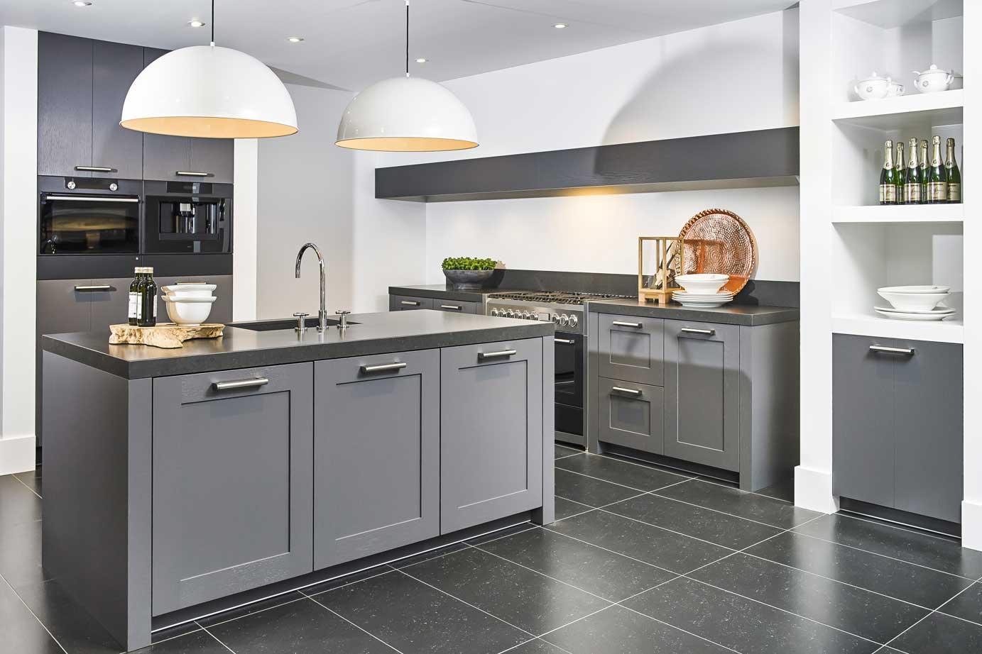 Witte Keuken Voordelen : Keukens op maat ervaar dat maatwerk betaalbaar is db keukens