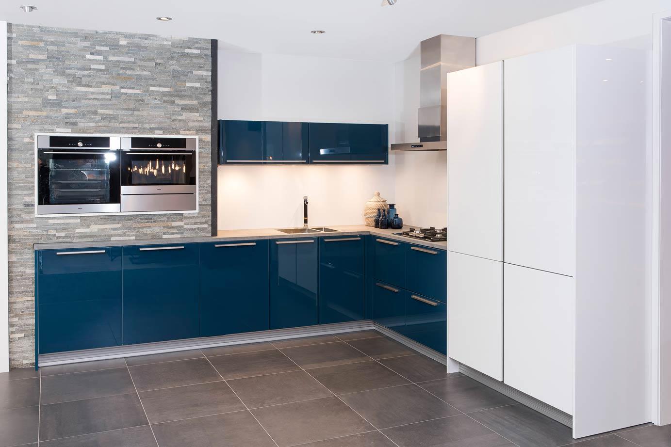 Moderne Blauw Keuken : Blauwe keukens zorgen voor sfeer en warmte in alle stijlen db