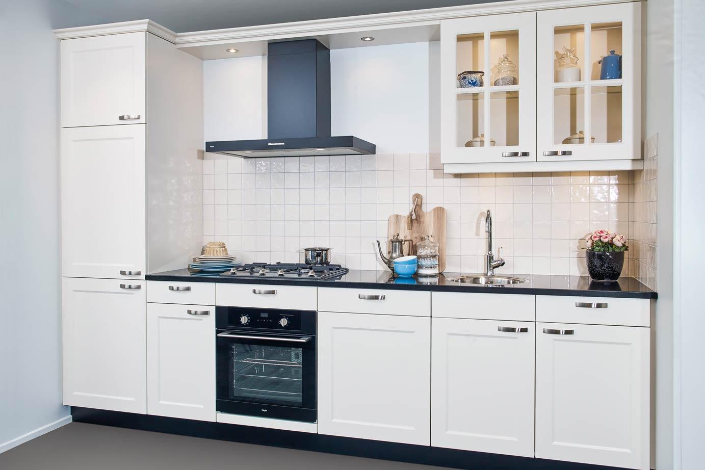 Landelijk rechte keuken, op maat gemaakt DB Keukens