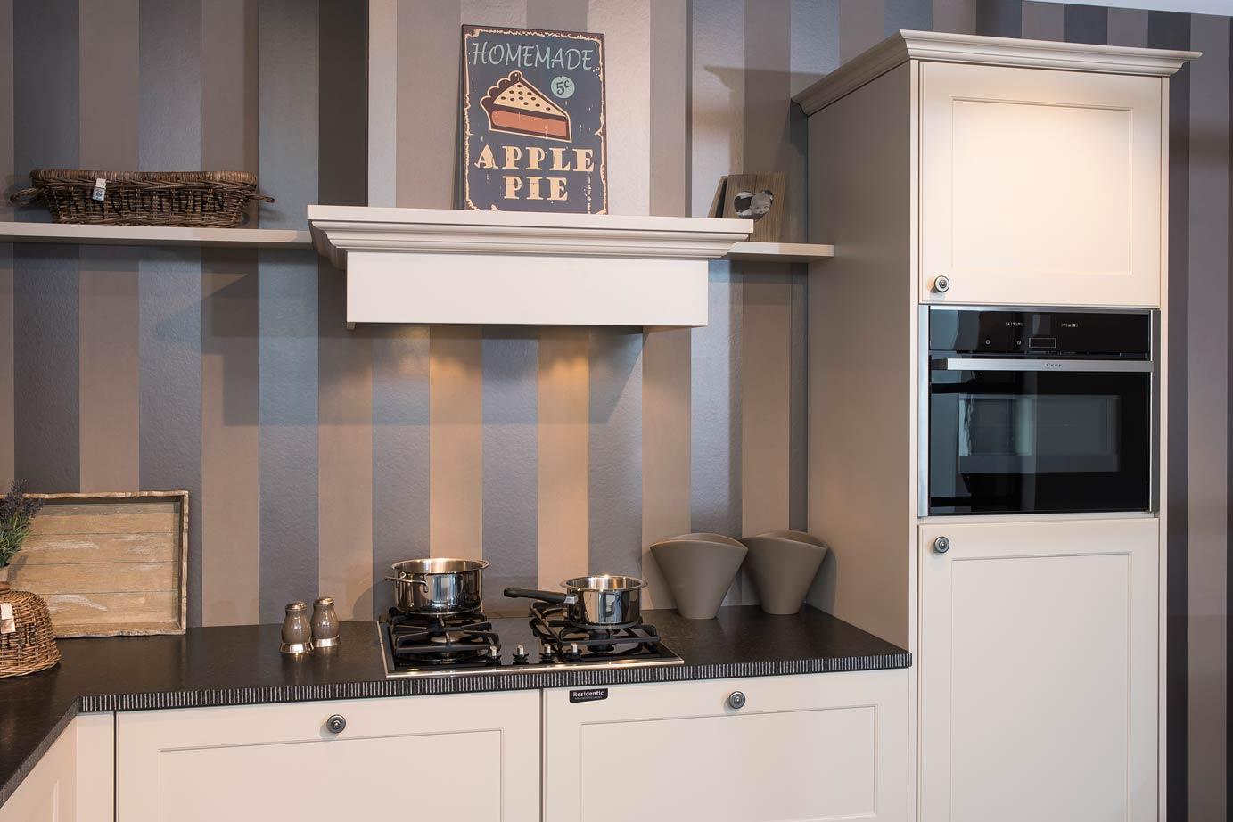 Eenvoudige Schouw Keuken : Landelijke keuken creëer een rustieke sfeer db keukens