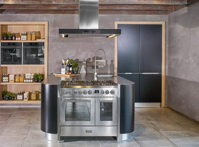 Keukens Met Eiland : Moderne eilandkeuken met hoogstaand apparatuur db keukens