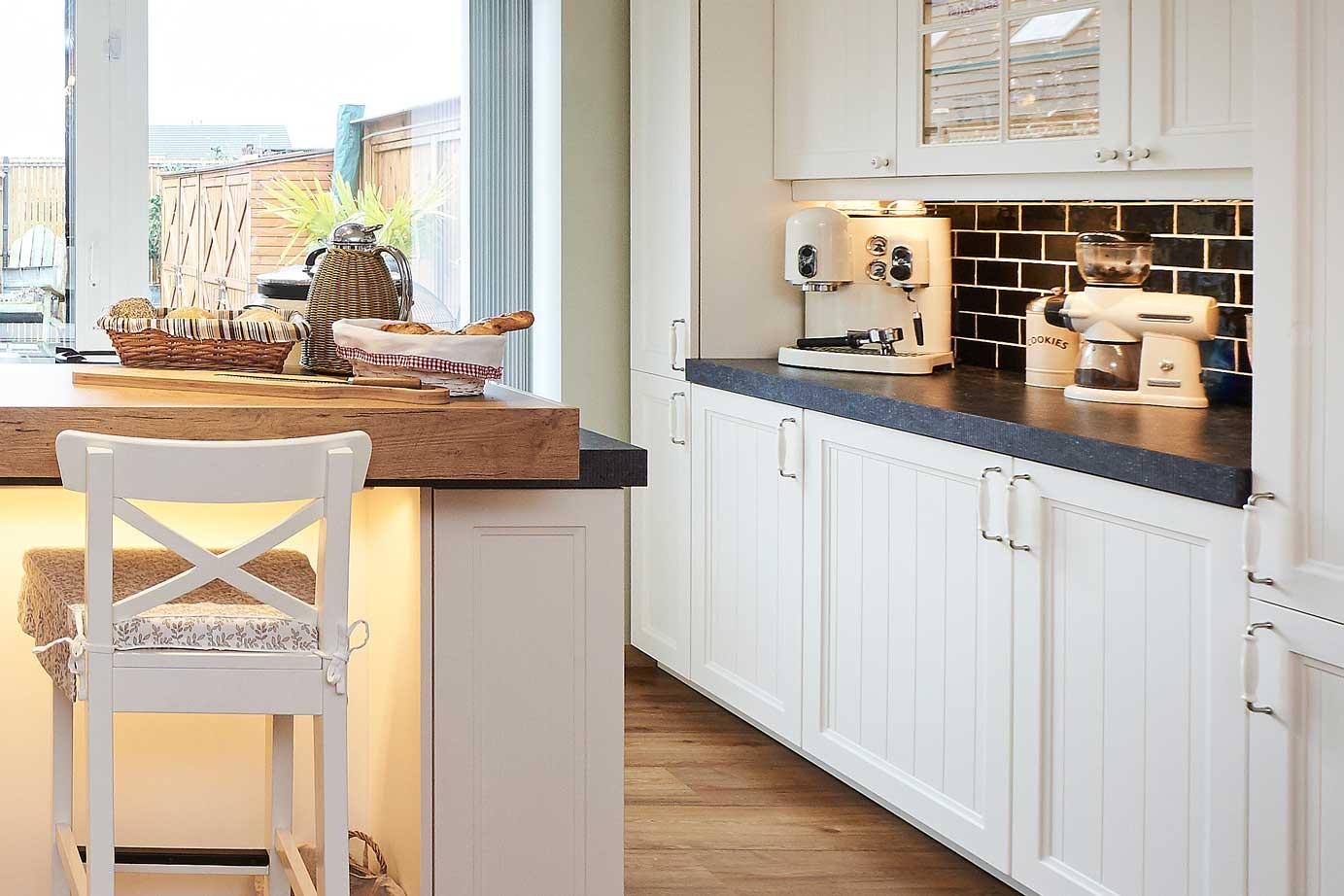 keuken tegels landelijke stijl : Landelijke Keuken Taupe Good Keller Keukens With Landelijke