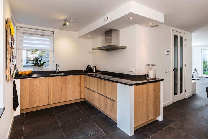 60 moderne keukens incl foto s en prijzen db keukens - Keuken houten moderne ...