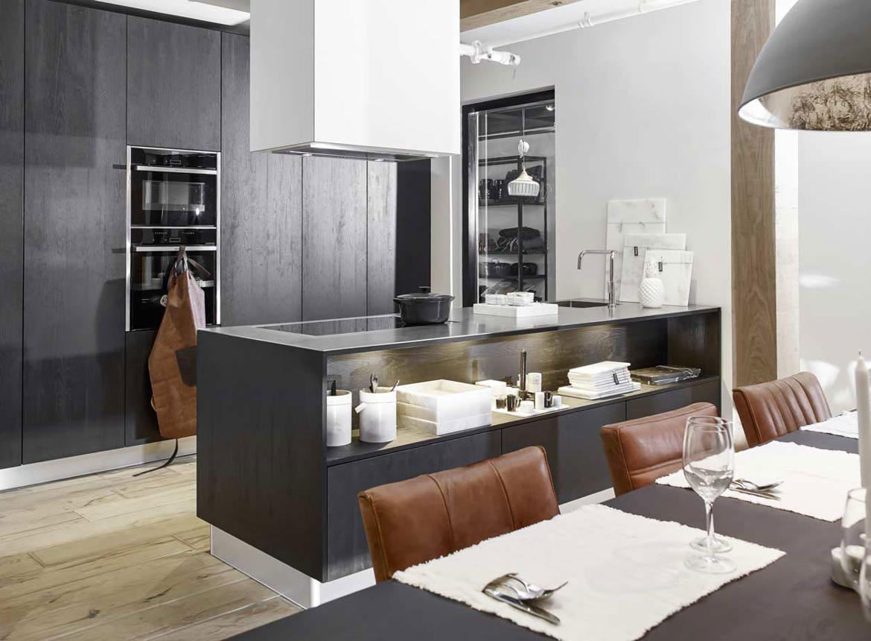 Zwarte keuken met kookeiland. bekijk fotos en prijzen db keukens