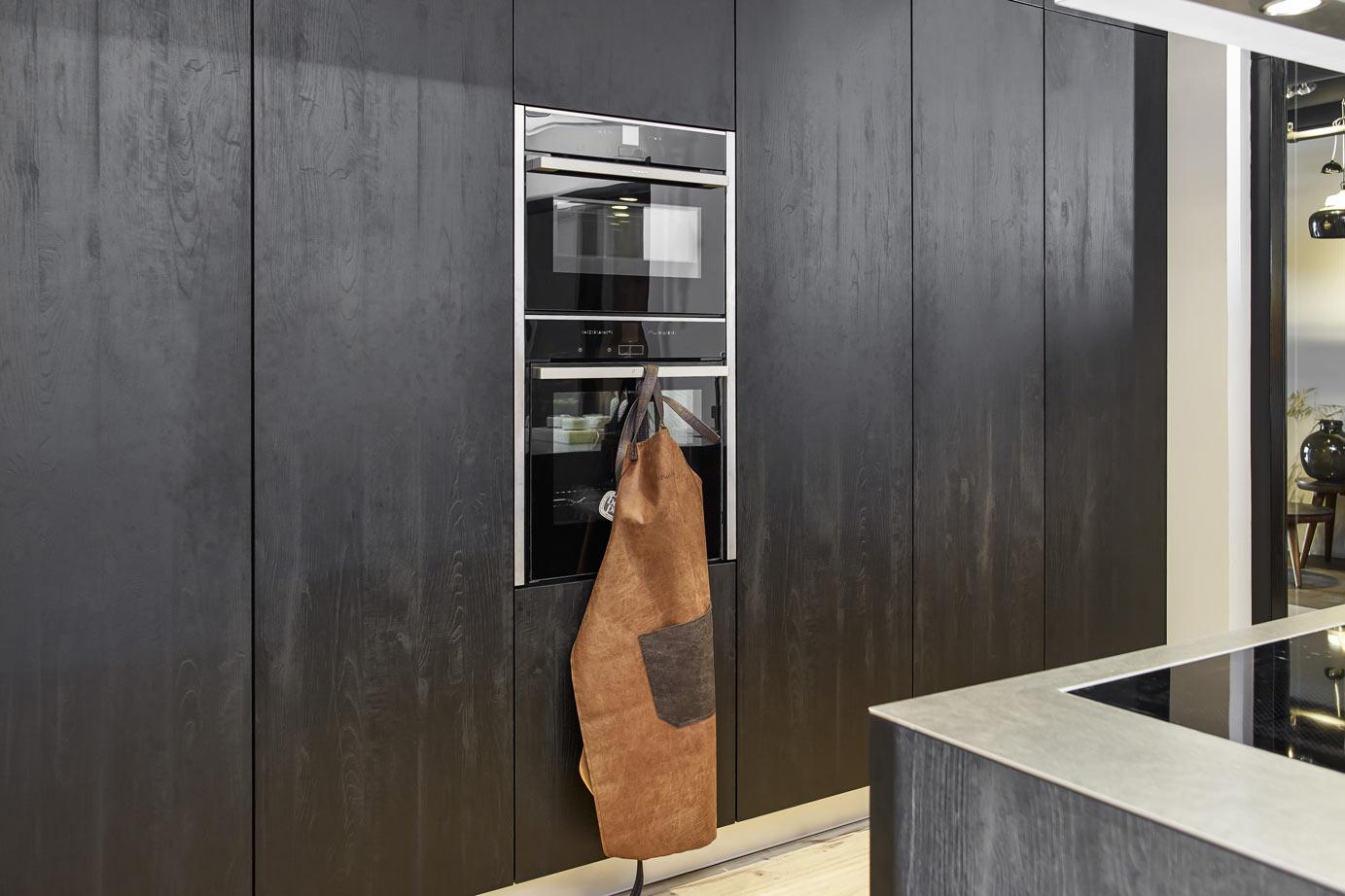 Keuken Moderne Zwart : Zwarte keuken met kookeiland bekijk foto s en prijzen db keukens