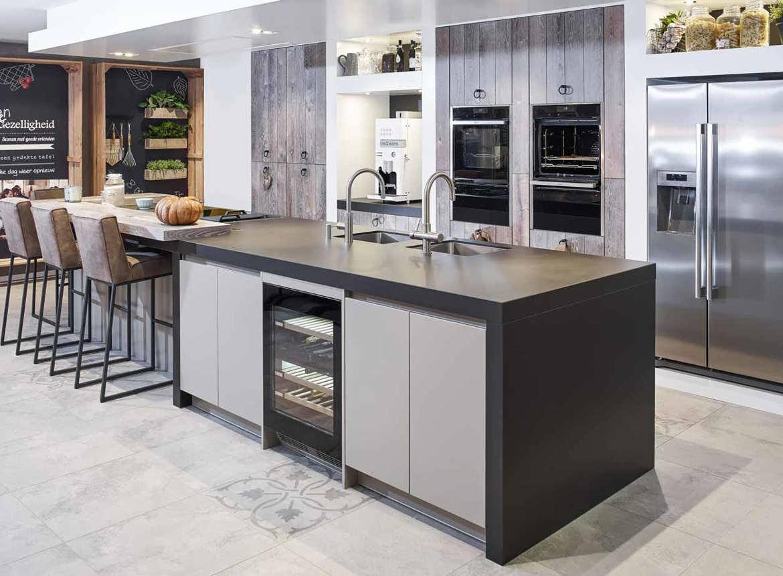 Luxe landelijk modern keukeneiland bekijk foto 39 s en prijzen db keukens - Prijs keuken met kookeiland ...