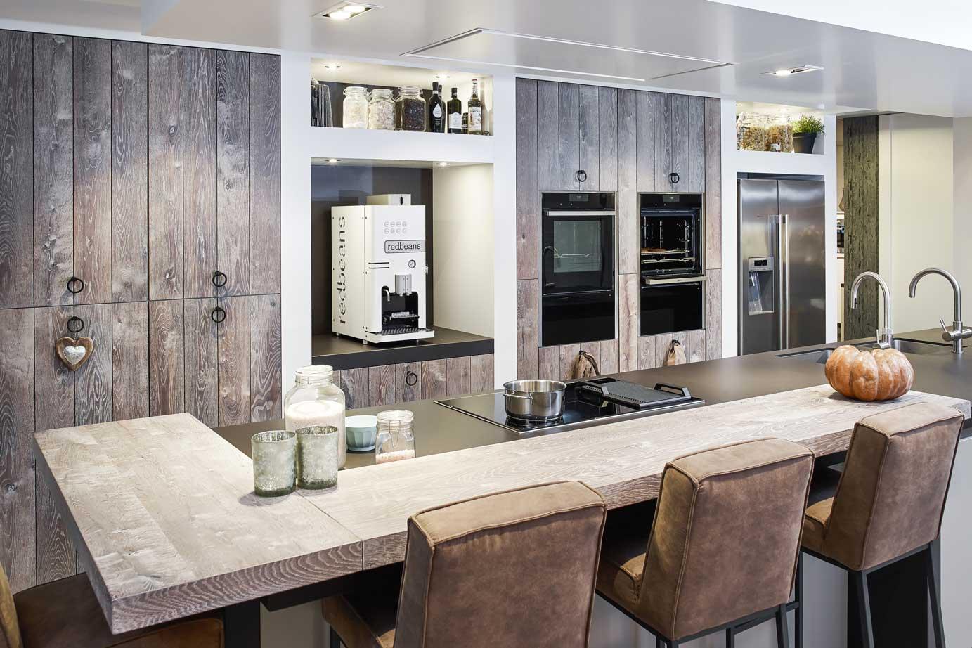 Landelijk Bar Keuken : Luxe landelijk modern keukeneiland bekijk foto s en prijzen db