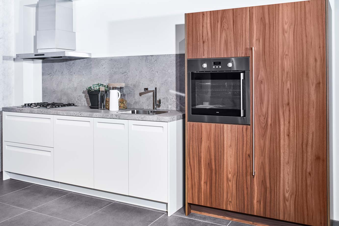 Keuken Wandkast 6 : Rechte keuken met kast bekijk alle foto s en prijzen online db