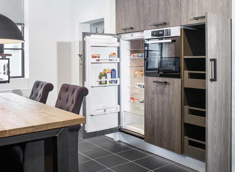 Industri le keuken in parallel opstelling bekijk foto 39 s en prijzen db keukens - Industriele apparaten ...