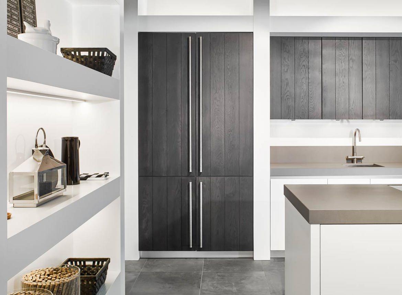 Moderne Keuken Kleuren : Greeploze moderne keuken met eiland db keukens