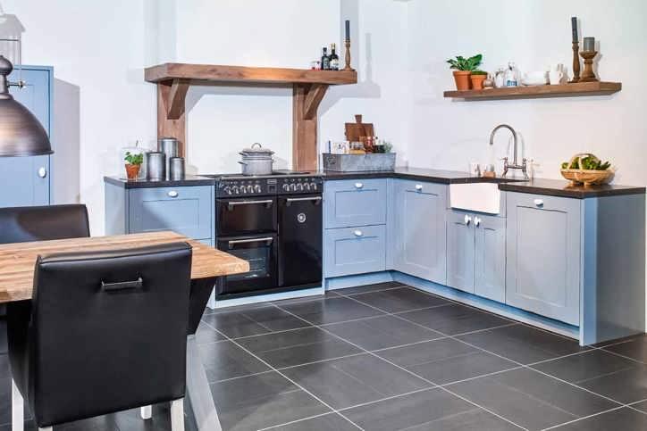 Witte Keuken Sfeer : Blauwe keukens zorgen voor sfeer en warmte in alle stijlen db keukens