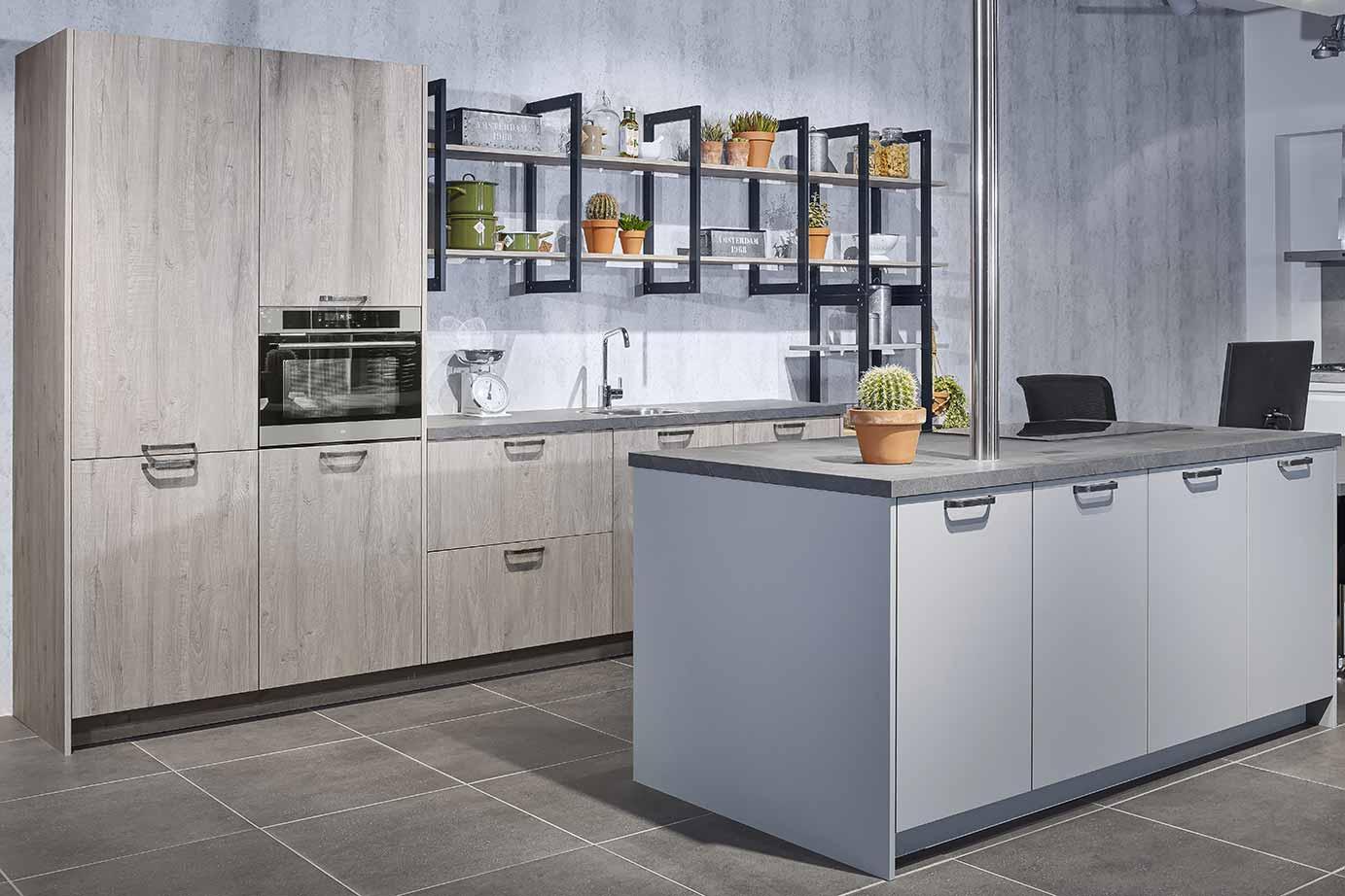 Klein Keuken Industriele : Industriële keuken grove robuuste en stoere materialen db keukens