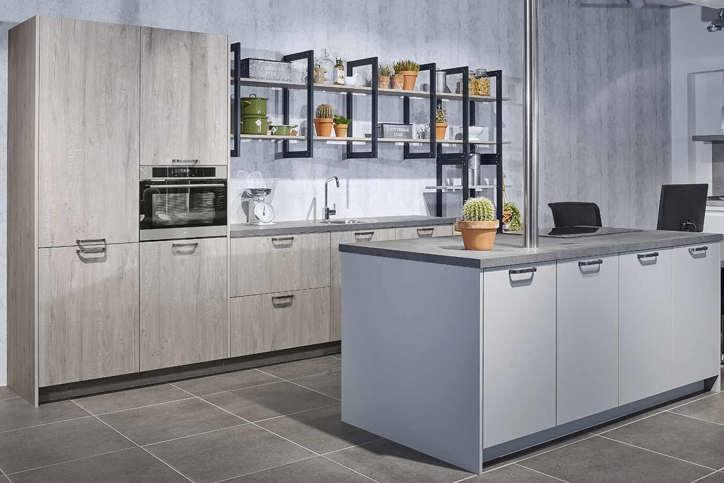 Einde Witte Keuken : Industriële keuken: grove robuuste en stoere materialen db keukens