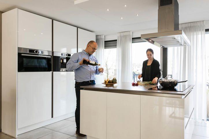 Moderne Witte Keukens : Moderne keukens incl. 60 fotos en prijzen. db keukens