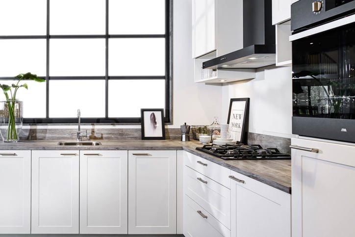 Tijdloze keukens. jaren variëren met neutrale elementen db keukens