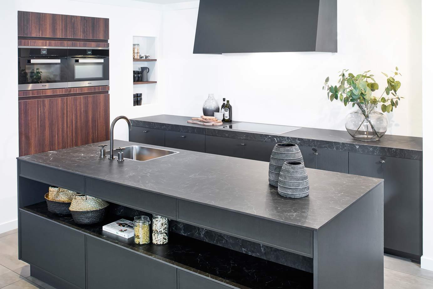 Black Industriele Keuken : The big easy stalen module keuken