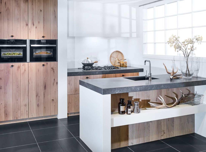 Modern landelijk keukeneiland in houtkleur bekijk foto 39 s for Keuken landelijk modern