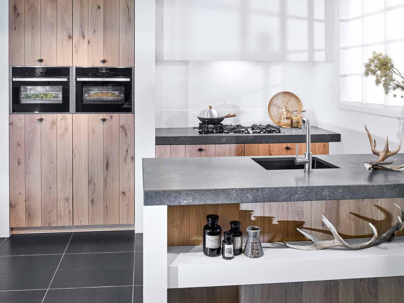 Modern Landelijke Keuken : Modern landelijk keukeneiland in houtkleur bekijk foto s en