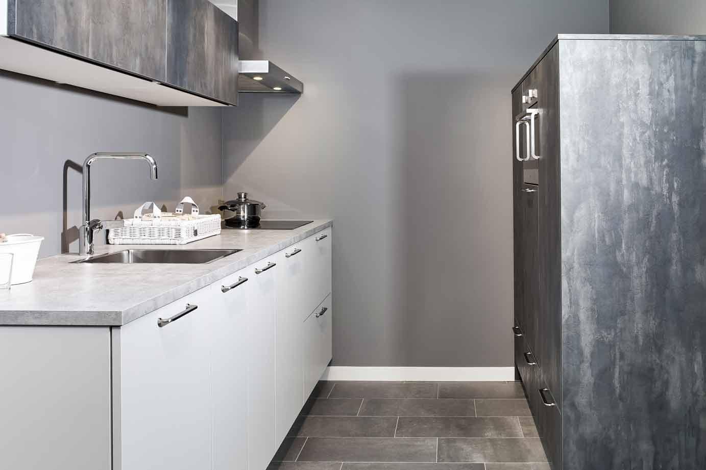 Keuken Moderne Klein : Parallel keuken voor de kleine keuken db keukens