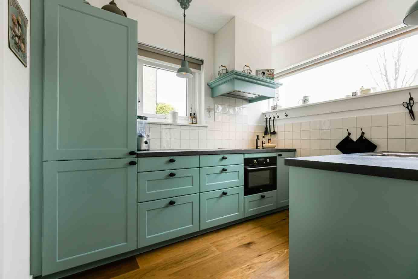 Keuken Design Hilversum : Blauw groen landelijke keuken met eiland in hilversum db keukens