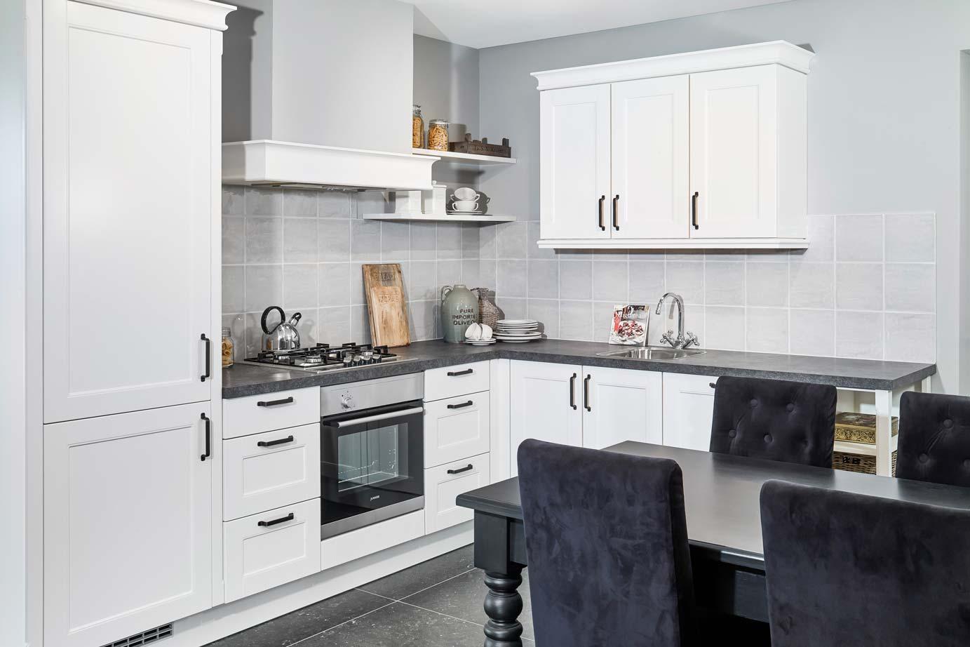Eenvoudige Schouw Keuken : Goedkope landelijke keuken kies voor sfeer van nostalgie db