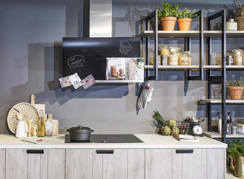 Achterwand Industrieel Keuken : Industriële houten keuken inclusief neff apparatuur db keukens