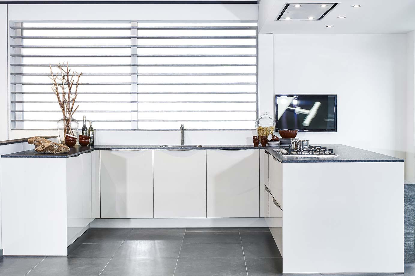 U Vormige Keuken : U keuken kopen lees info en bekijk vele voorbeelden db keukens