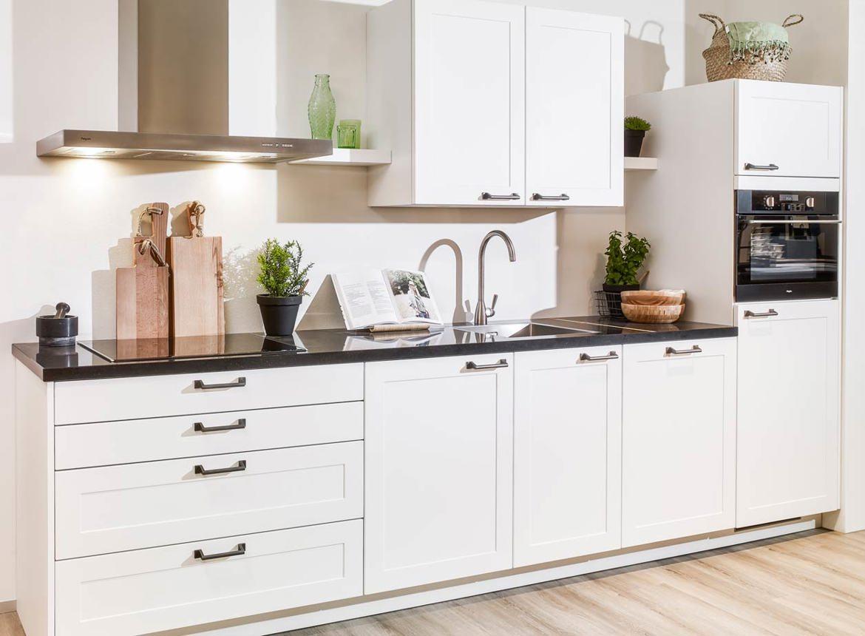 Tijdloze witte keuken voor kleine ruimte db keukens