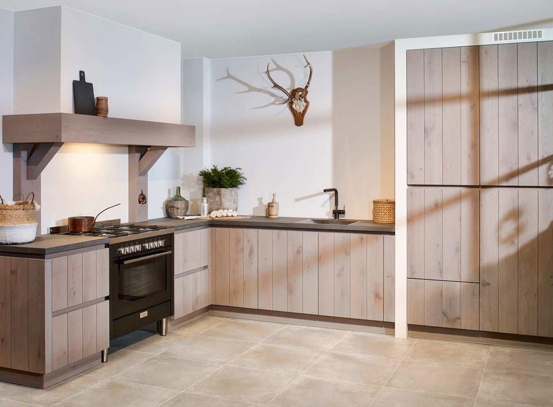Design Keuken Greeploos : Eiken houten keuken met greeploos front db keukens