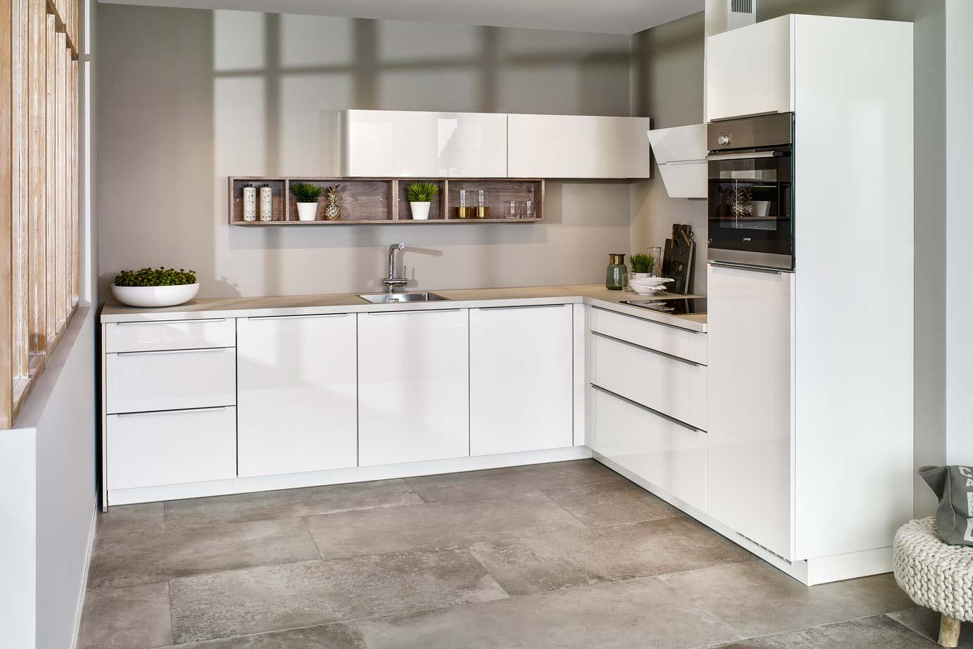 Hoogglans Wit Keuken : Hoogglans keuken bekijk voorbeelden ook in wit db keukens