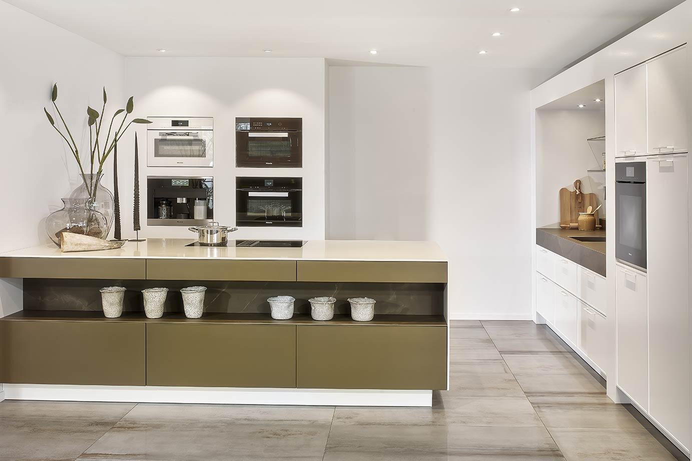 Kosten Luxe Keuken : Moderne keukens incl foto s en prijzen db keukens