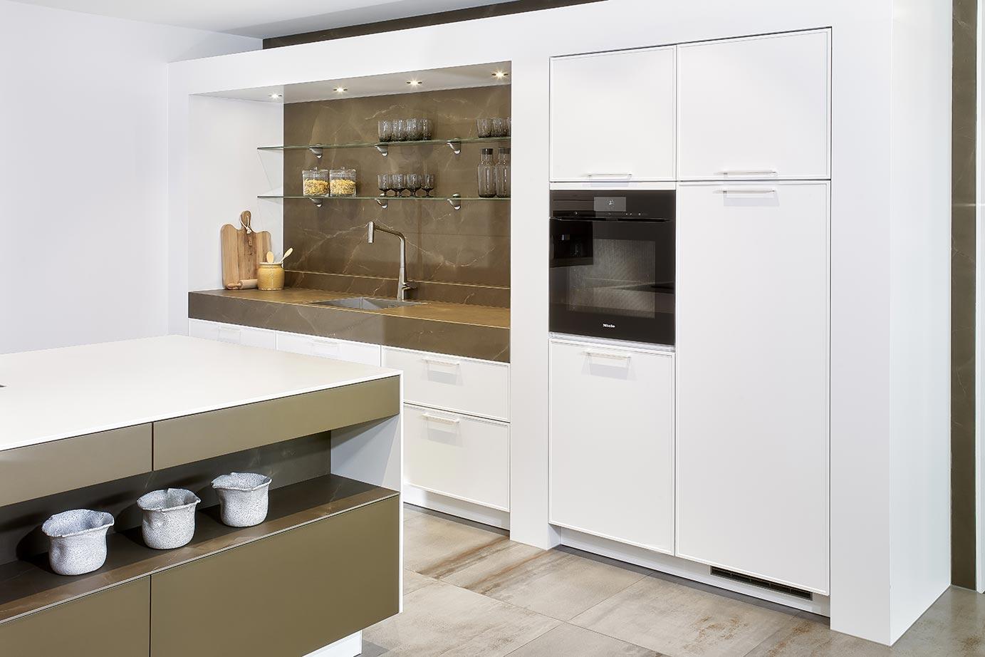 Luxe Design Keuken : Luxe keuken met eiland kopen bekijk foto s en prijzen db keukens
