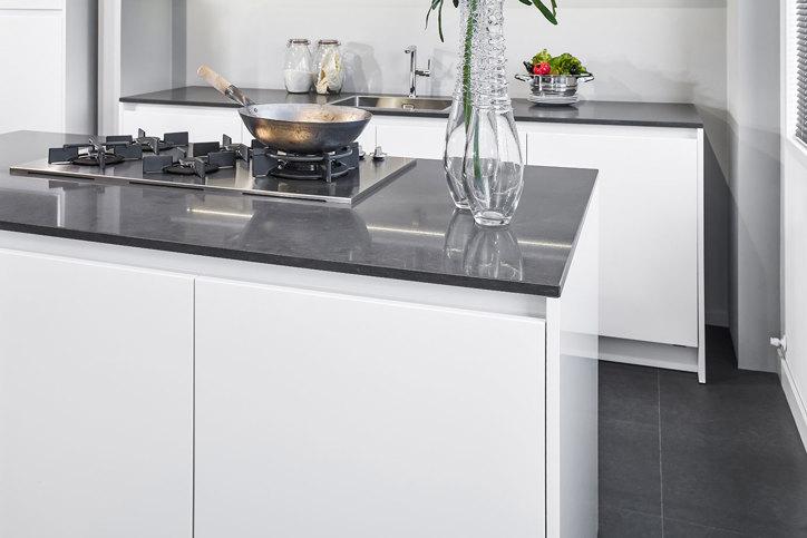 Hoogglans Wit Keuken : Hoogglans keuken. bekijk voorbeelden. ook in wit. db keukens