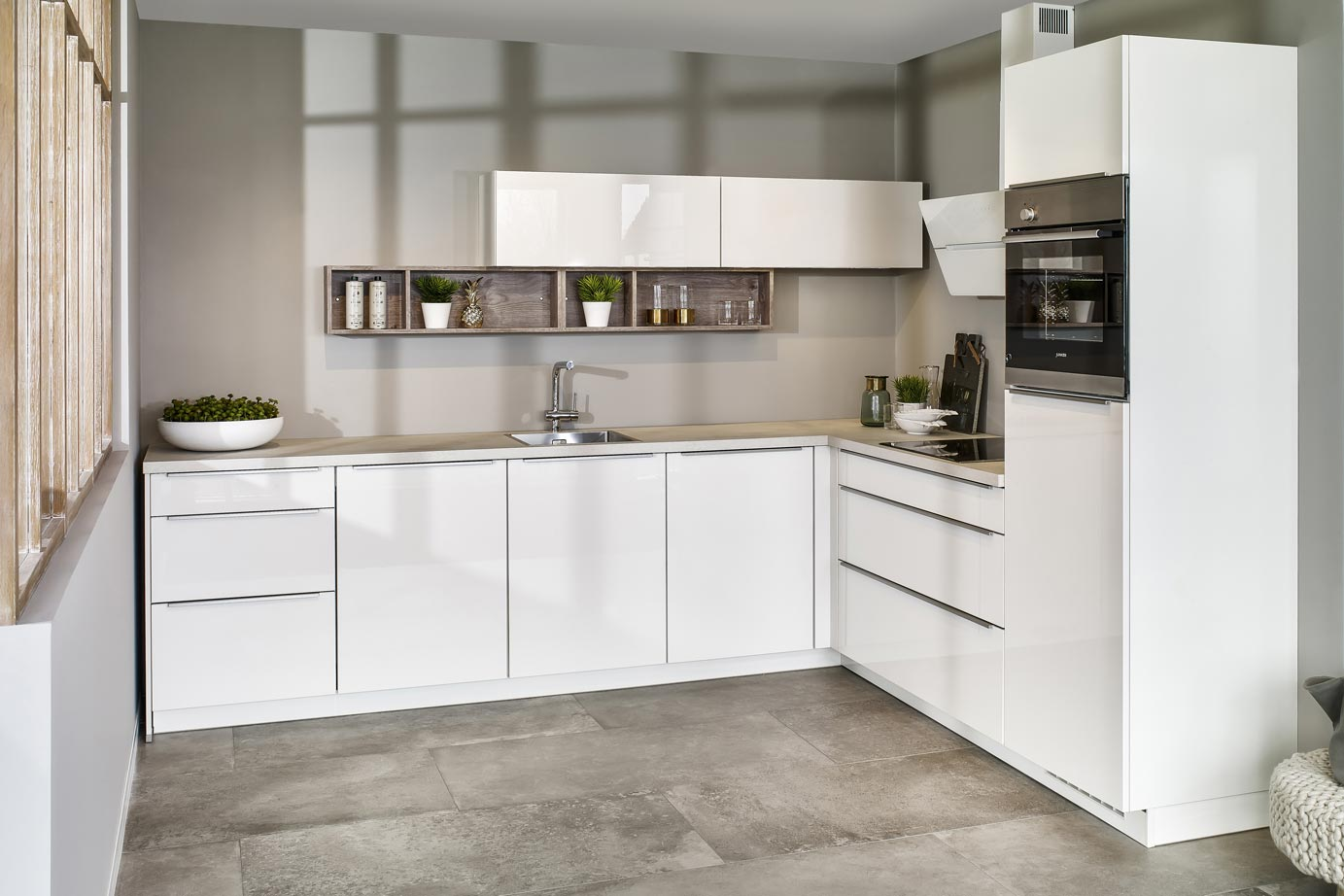 Moderne Hoogglans Keuken : Hoogglans keuken bekijk voorbeelden ook in wit db keukens
