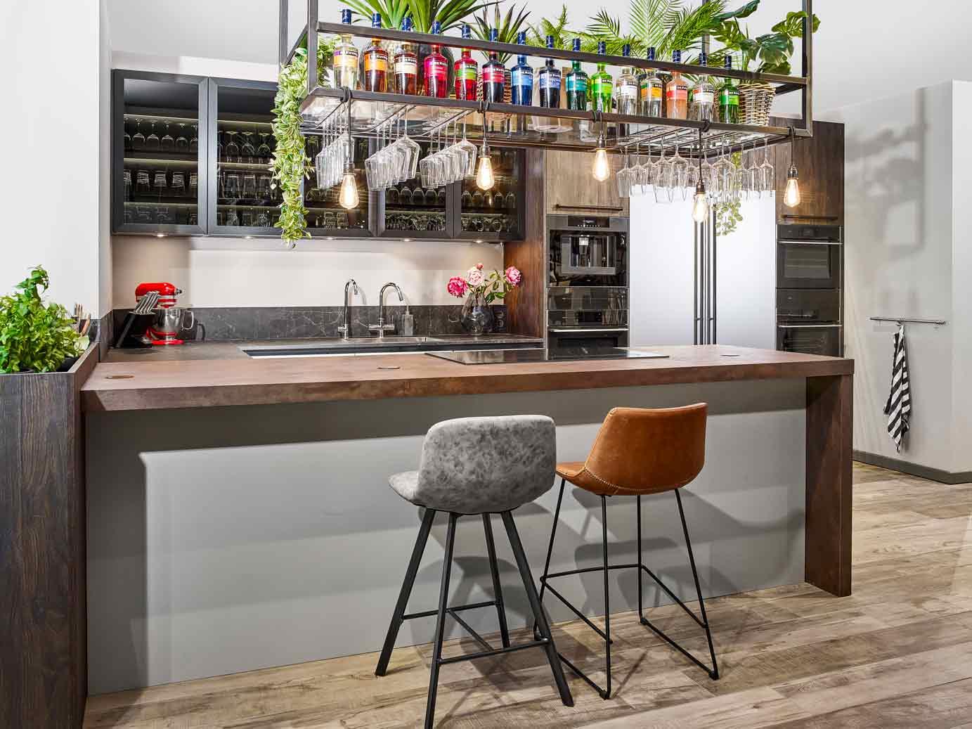 Keuken Bar Schiereiland : Luxe u keuken met bar bekijk foto s db keukens