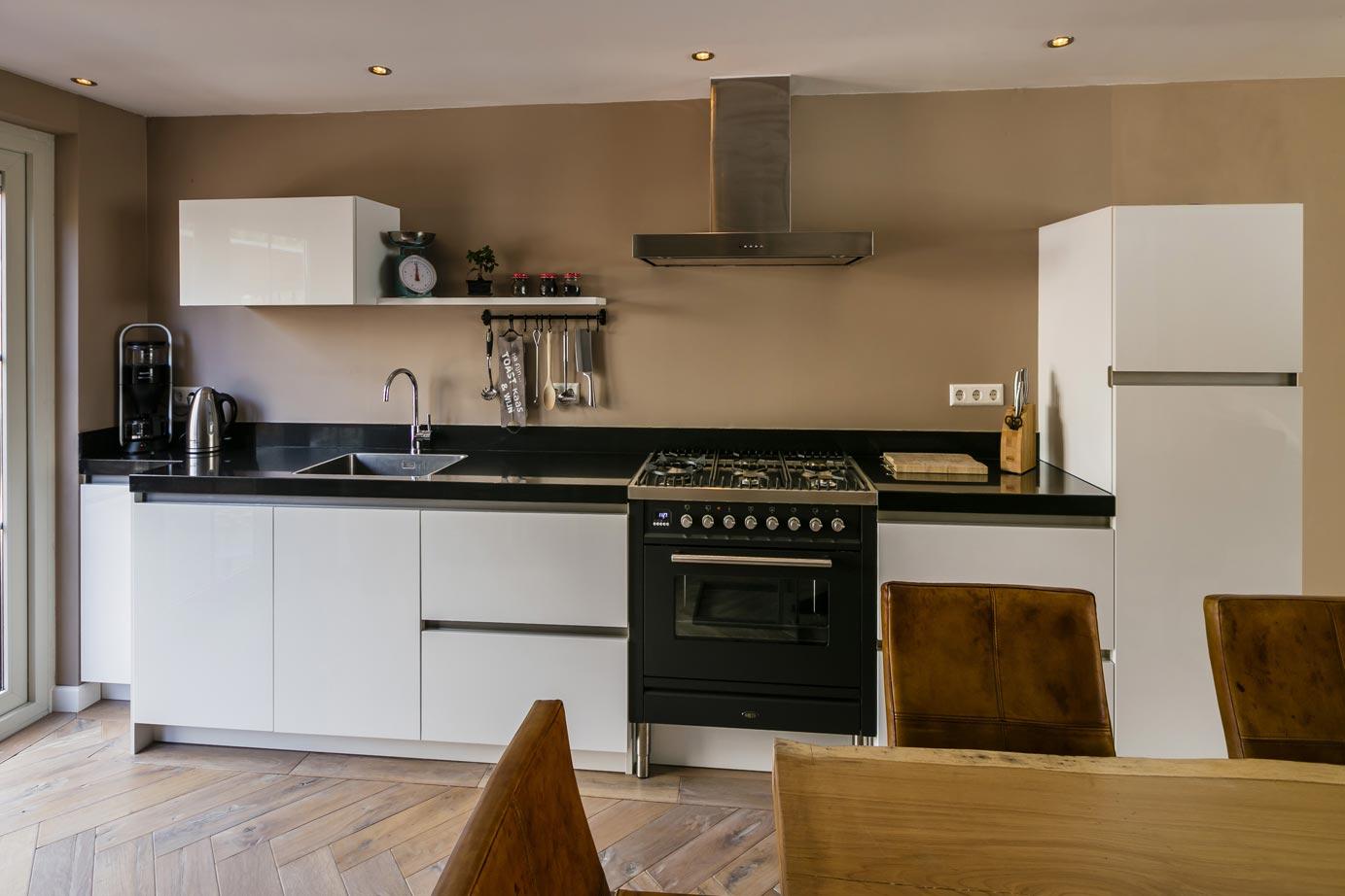Keukens Kesteren Renovatie : Strakke keuken kopen lees onze bekijk voorbeelden db keukens