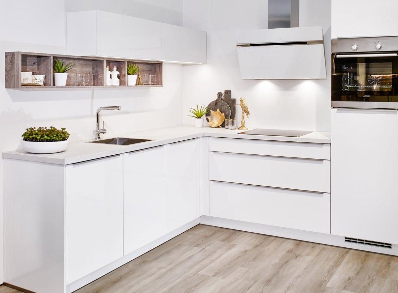 Kleine keuken in moderne greeploze stijl. bekijk fotos! db keukens