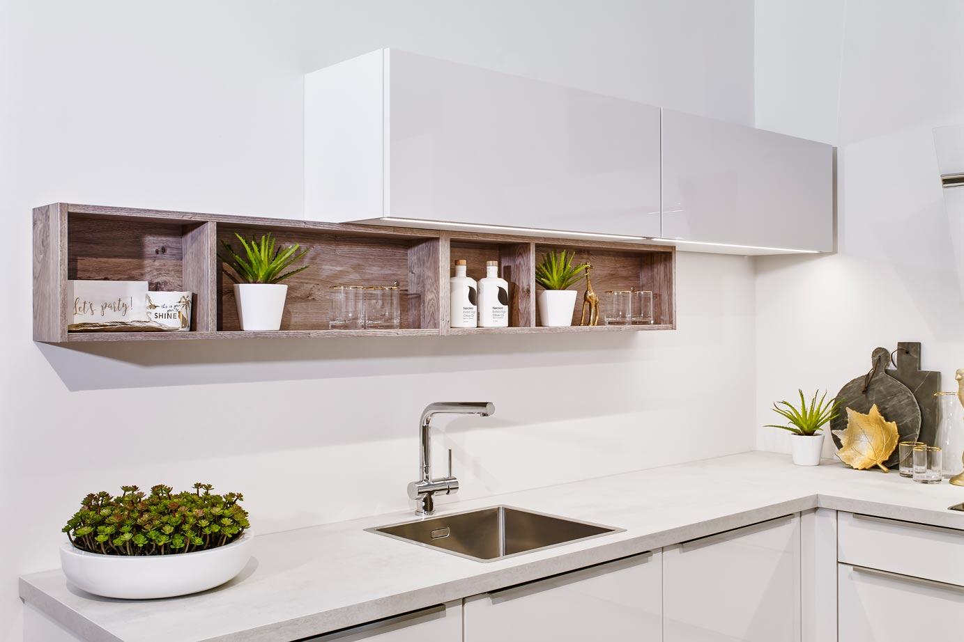 Open Kleine Keuken : Kleine keuken in moderne greeploze stijl bekijk foto s db keukens