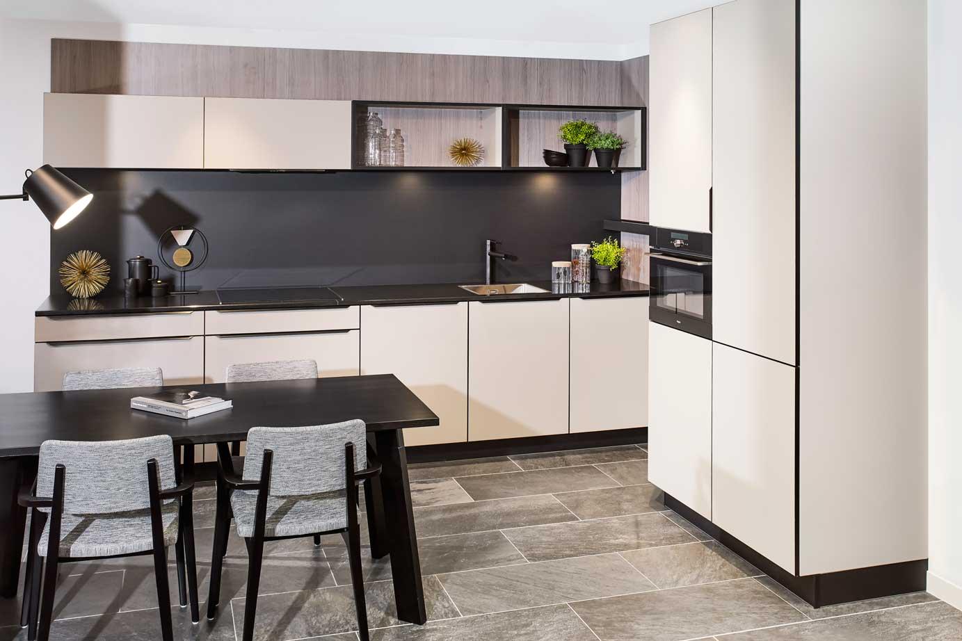 Greeploze rechte keuken met losse kasten bekijk foto s db keukens