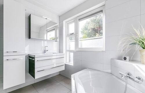 Hoogte Sierstrip Badkamer : Badkamer kopen in lelystad? hoge klantscore 9 7 ! lees ervaringen