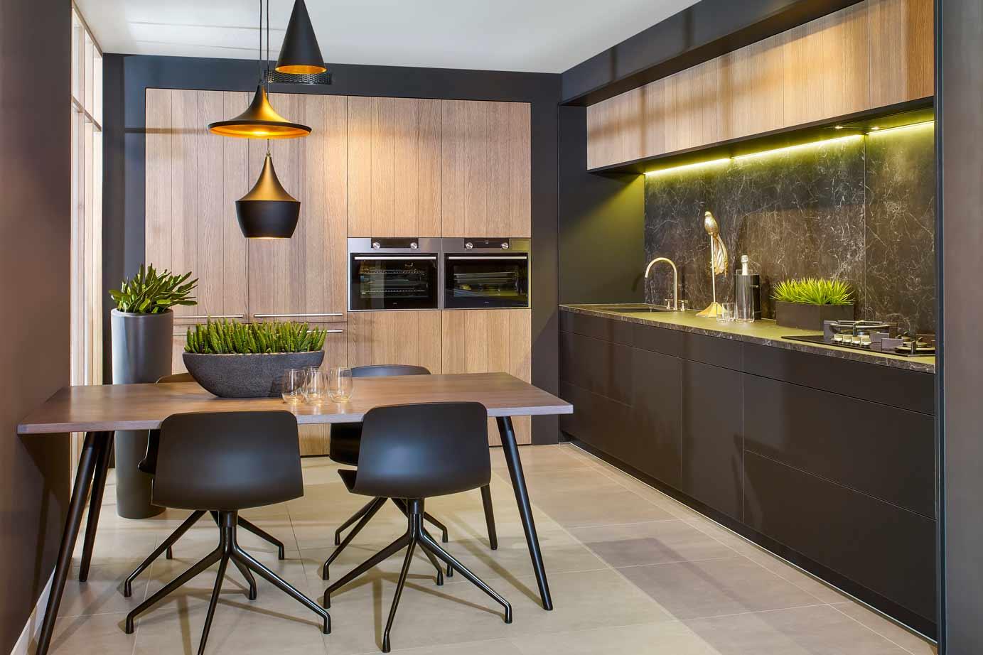 Mat Zwarte Keuken : Zwarte keukens krijg inspiratie door vele voorbeelden db keukens